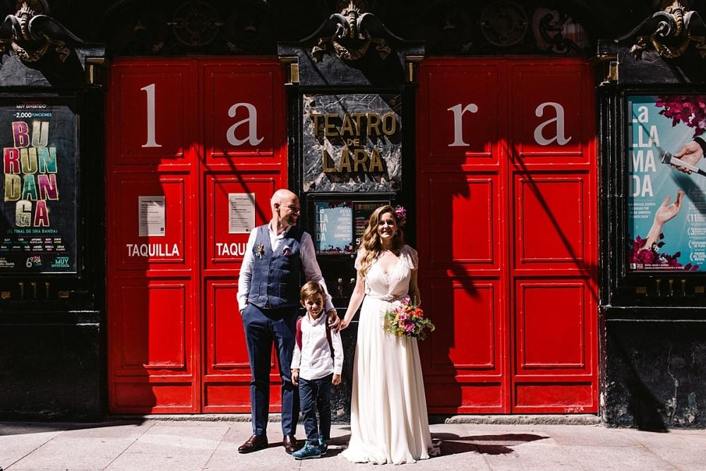 Verónica y Juan. Laraland. Una boda en el teatro Lara.